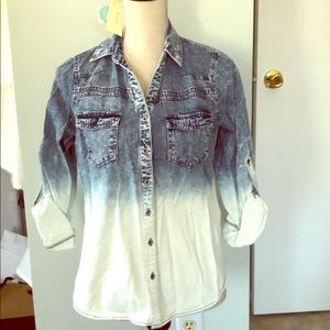 NWT skies are blue ombré denim button up